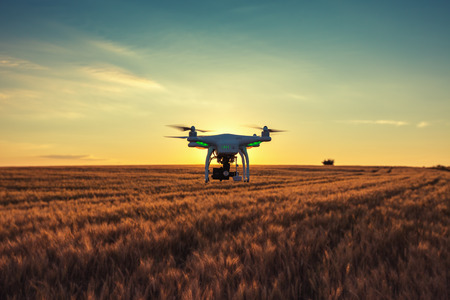 Quadcopter volar aviones no tripulados Foto de archivo