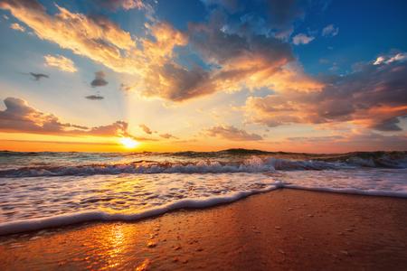 Beautiful cloudscape over the sea, sunrise shot Banque d'images
