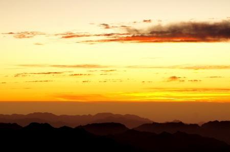 monte sinai: Salida del sol sobre el monte Sina� Foto de archivo