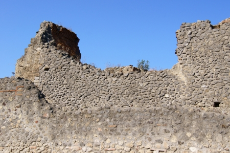Dilapidated building in Pompeii photo