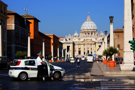 st  peter s square: Police on St  Peter