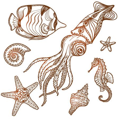 Hand getrokken zee leven te stellen. Schelpen, zeesterren, zeepaardje, vis en inktvis geïsoleerd op wit. Tattoo design. Stock Illustratie
