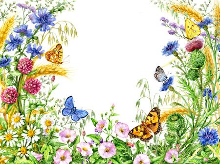 Handgezeichnete Aquarellillustration. Florale Elemente für die Dekoration. Lebendiger Rahmen mit Wildblumen und Schmetterlingen. Platz für Text. Standard-Bild