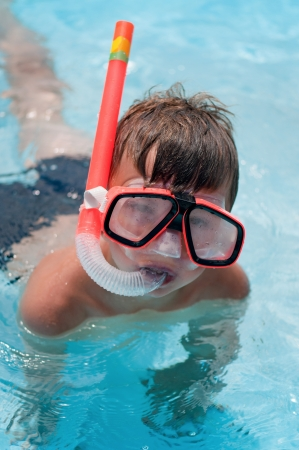 swim mask: Snorkeling boy