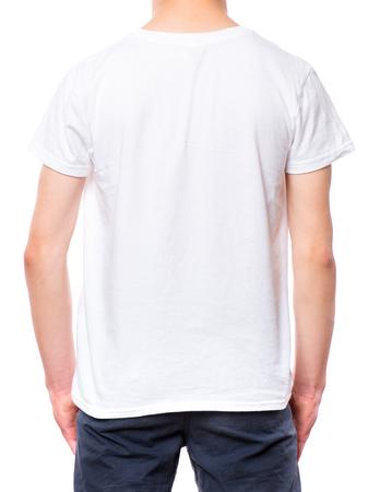 ddbee214e #77686904 - Camiseta blanca en chico adolescente. Primer plano de la  camiseta trasera, aislada en un fondo blanco. Concepto de infancia y diseño  de moda o ...