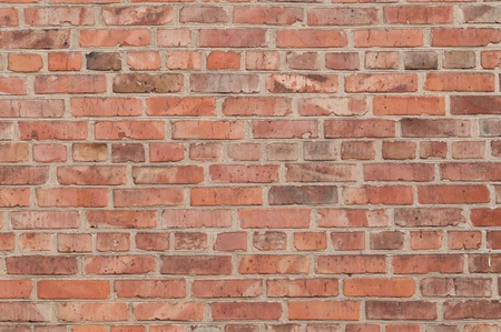 to brick: gran pared de ladrillo rojo antiguo