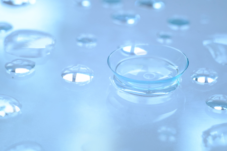 Contact lenses and water droplets, ultra-wetting and comfortable wearing of contact lenses