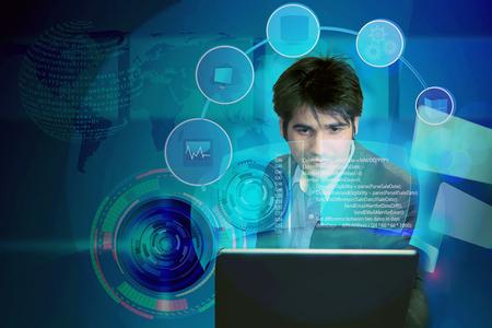 ilustracja inżyniera oprogramowania analizującego kod z koncepcją integracji systemu przedsiębiorstwa, wykorzystywaną również do analizy wyników przez człowieka biznesu, architekta przeglądającego projekty oprogramowania