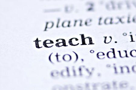the word teach written in a thesaurus