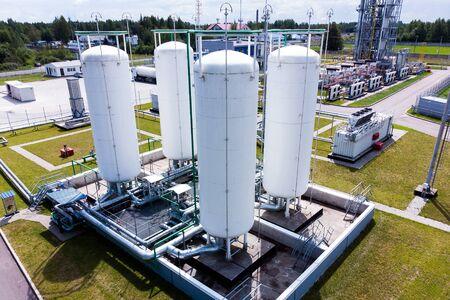 Vista aérea de la terminal de tanques de productos químicos líquidos, almacenamiento de productos químicos y petroquímicos líquidos
