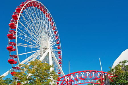 magnificent mile: Chicago Navy Pier Ferris Wheel, Near North Side community area Editorial