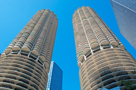 movable bridge: Chicago: looking up at Marina City building from a canal cruise on the Chicago River on September 22, 2014