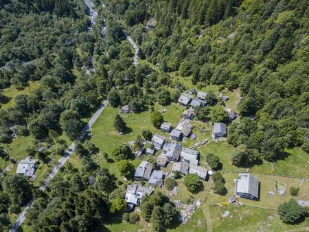 Mello Valley Valley, Val di Mello, een vallei omringd door granieten bergen en bosbomen, Yosemite Valley door de natuurliefhebbers. Italië Stockfoto