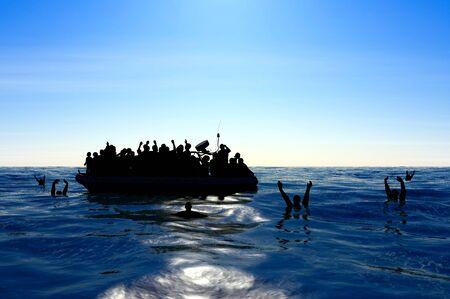 Refugiados en un bote de goma en medio del mar que requieren ayuda. Mar con gente pidiendo ayuda. Migrantes cruzando el mar