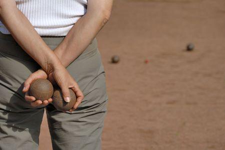 Lady spelen jeu de boules in Frankrijk