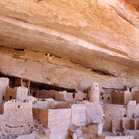 dwelling: The Anasazi White House cliff dwelling in Canyon De Chelly, Arizona, USA. WITHOUT PEOPLE