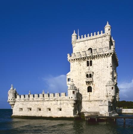 Torre de Belem (Belem Tower) op de rivier de Taag bewaken de ingang van Lissabon in Portugal
