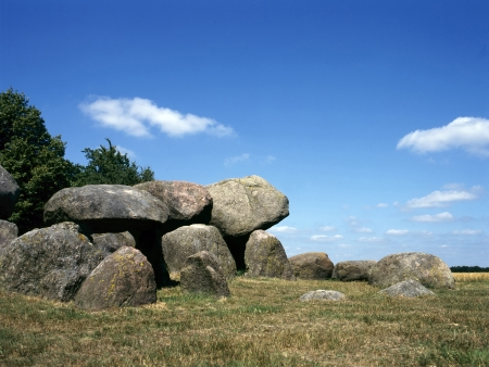 stoneage: Old stone grave like a big dolmen in Drenthe Holland. It is called in Dutch a Hunnebed Stock Photo