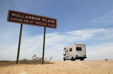 western australia: An Australian Outback touring camper on the road in the Nullarbor Plain  Stock Photo