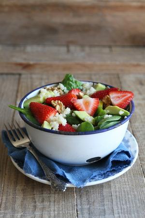 Quinoa salad with strawberry,avocado and spinach Banco de Imagens - 29227577