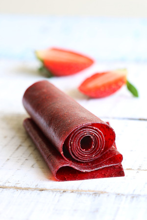 frutas: Cuero fresa enrollar merienda