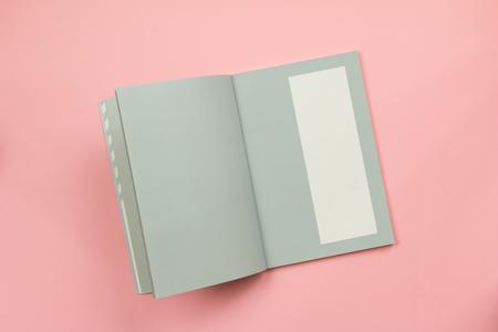 Vista Superior De Páginas De Libros En Blanco Sobre Fondo De Papel ...