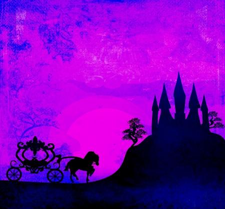 日没時のキャリッジ。馬キャリッジと中世の城のシルエット