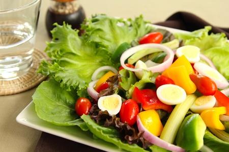 wachteleier: Gesunde Salat mit Wachteleier
