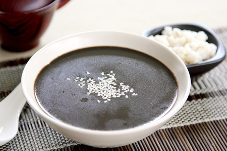 Black sesame with pearl-barley soup