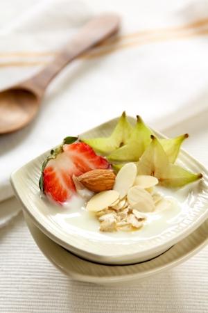 wellfare:   Yogurt  with strawberry and star fruit   [ Healthy breakfast ]