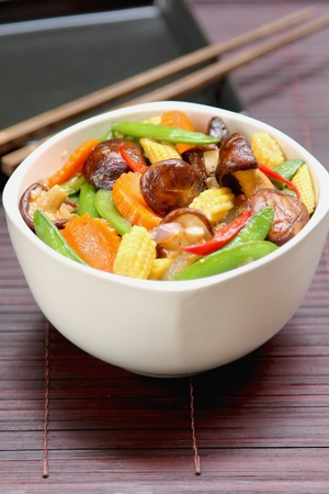Stir fried vegetable with mushroom