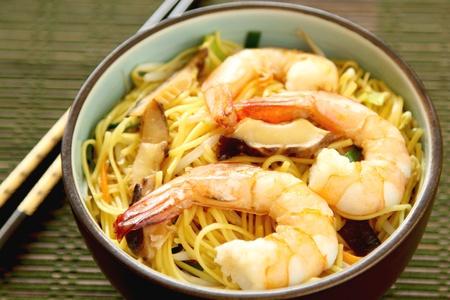 egg noodles: Stir fried Noodle with prawn