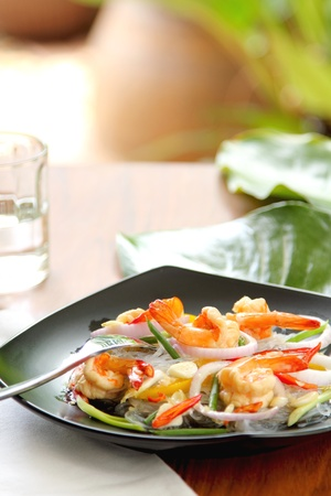 Sour & spicy vermicelli salad with prawn photo
