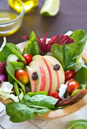 sweet and savoury: Apple and spinach salad