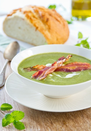 geen: Geen Pea,Mint and Celery soup Stock Photo