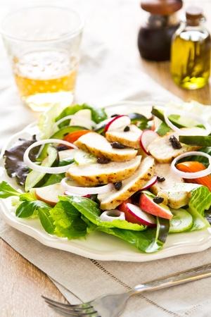 chicken salad: Grilled chicken salad with apple
