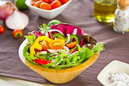 berros: Ensalada de verduras frescas Foto de archivo