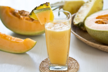 Melon and Pineapple smoothie Imagens