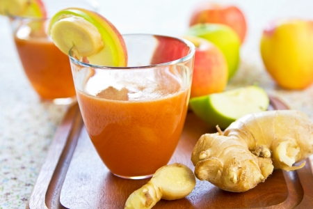 dehydrate: Carrot with Apple and Ginger juice