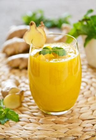 Smoothie mango z imbirem