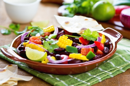 corn tortilla: Bean with sweet corn and pepper salad with tortilla