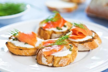 smoked salmon: Smoked salmon crostini