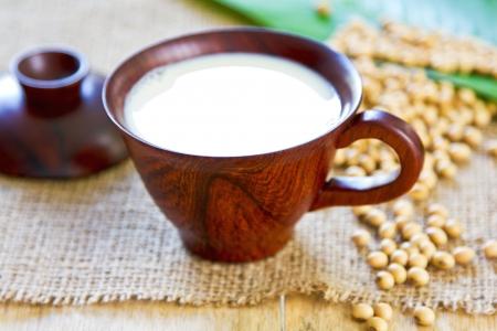 soja: La leche de soja (leche de soja) de granos de soja frescos Foto de archivo