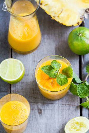 green mango: Fresh Mango with Pineapple and Lime smoothie