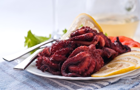 Baby octopus with white wine