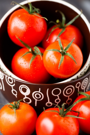 buch: Buch of fresh tomatoes in a bowl