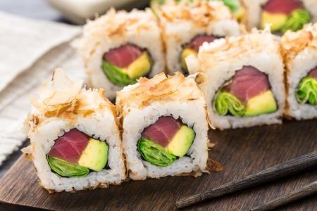 tekka: Sushi roll with tuna