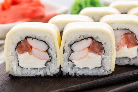 cheddar: Sushi rolls with shrimps and cheddar cheese