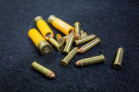 Ammunition for revolver and shotgun 版權商用圖片 - 88860877