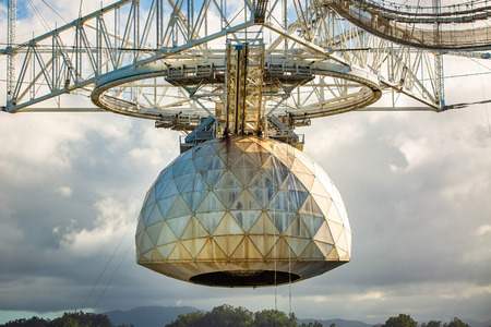 Large radio telescope dish in Arecibo national observatory 免版税图像